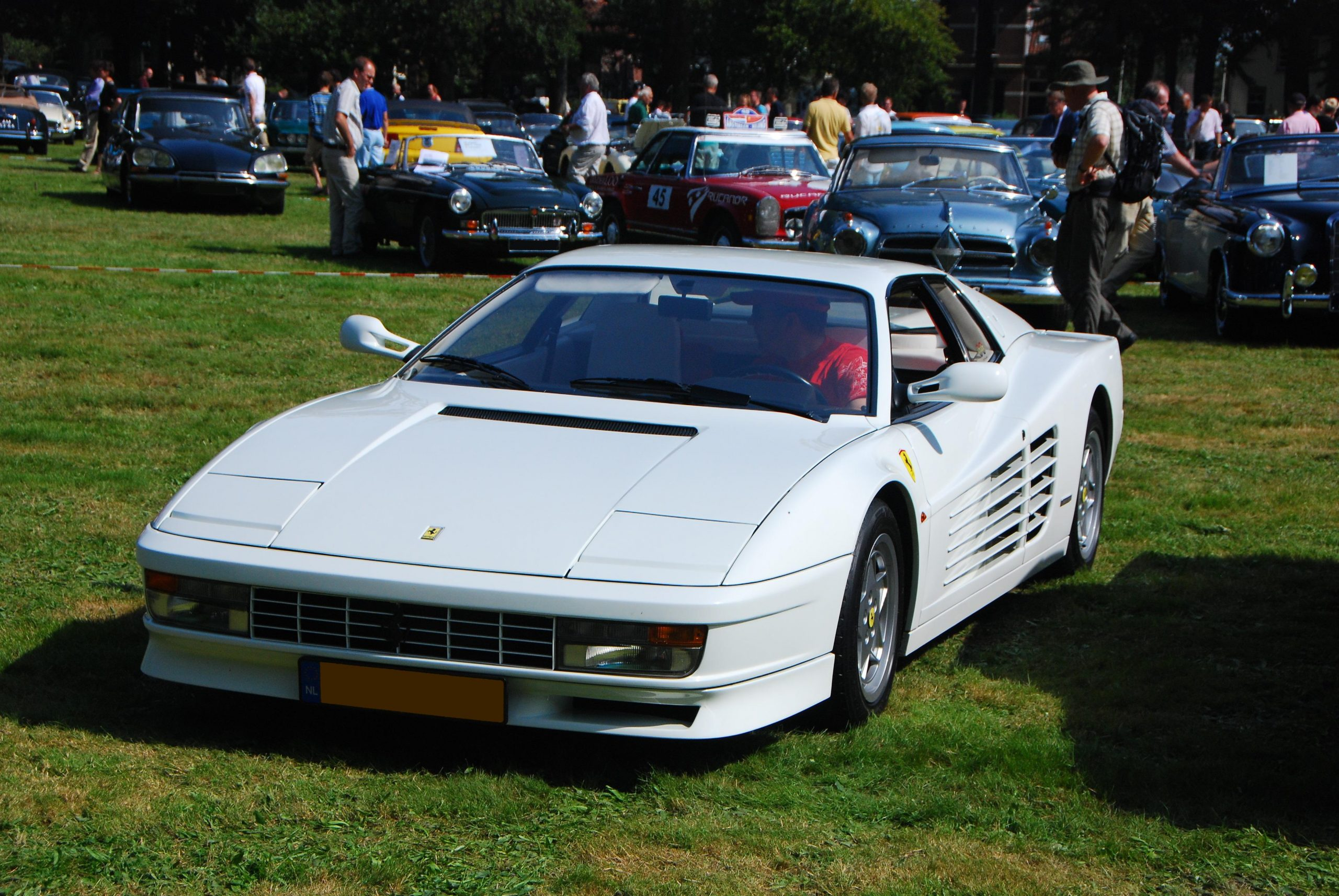 Ferrari Testarossa Apeldoorn NL scaled Legendary 1980s TV & Movie Vehicles That Sold For A Fortune At Auction