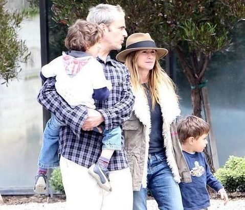 Holly Hunter with family 1 2019 e1615823808890 10 Things You Probably Didn't Know About Holly Hunter