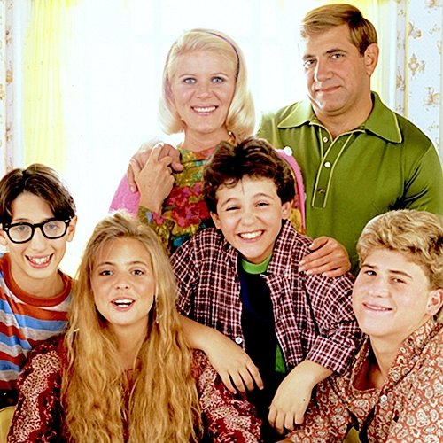INTRO Remember The Wonder Years? Here's What The Kids Look Like Today!