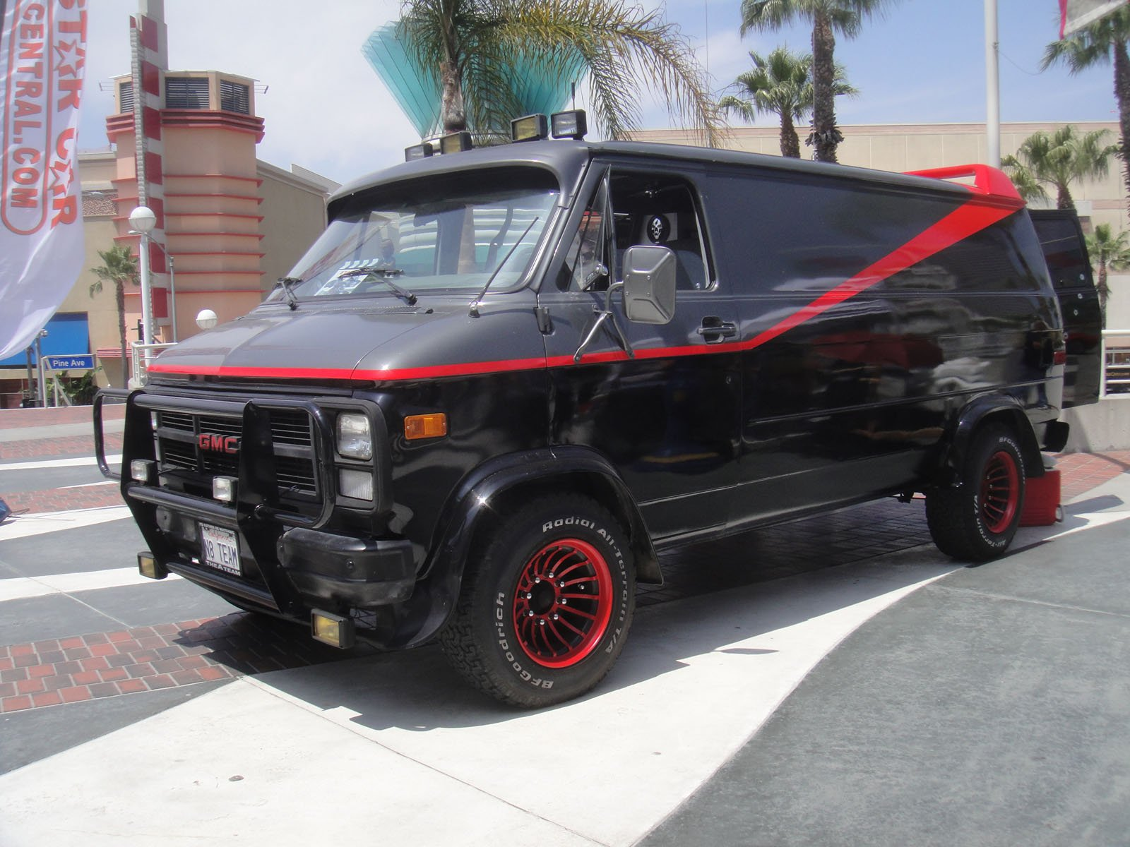 Long Beach Comic Expo 2012 A Team van 7186650356 Legendary 1980s TV & Movie Vehicles That Sold For A Fortune At Auction