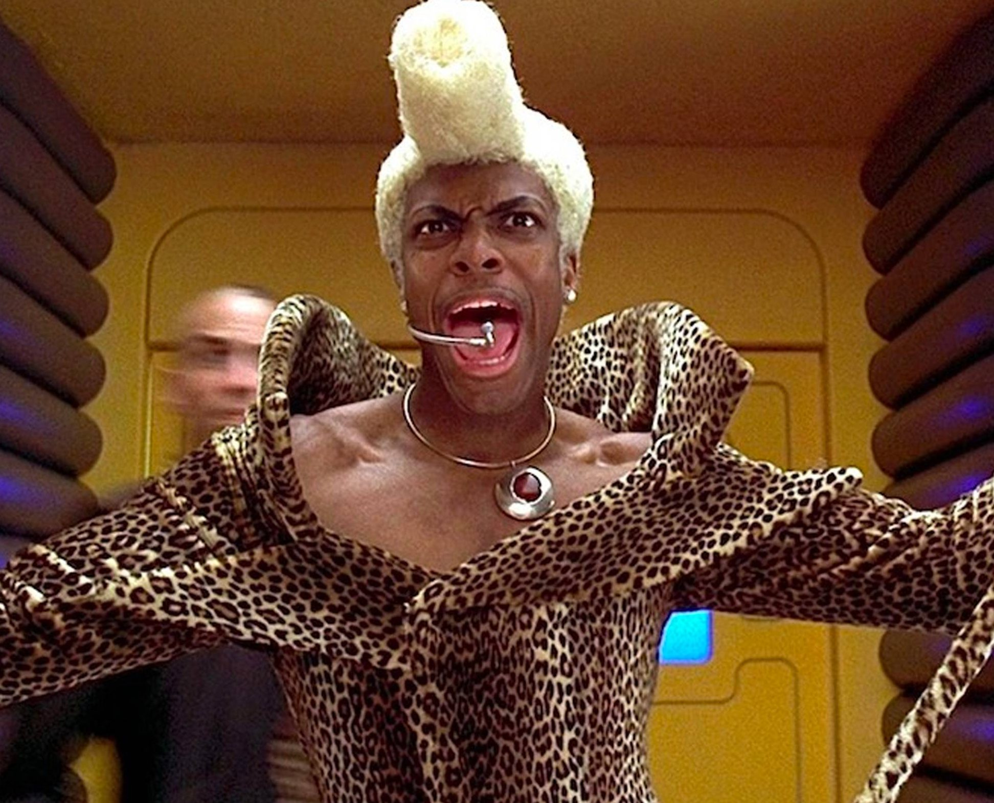 rudy rhod leopard outfit e1615998560855 Big Bada-Boom! 30 Things You Might Not Have Known About The Fifth Element