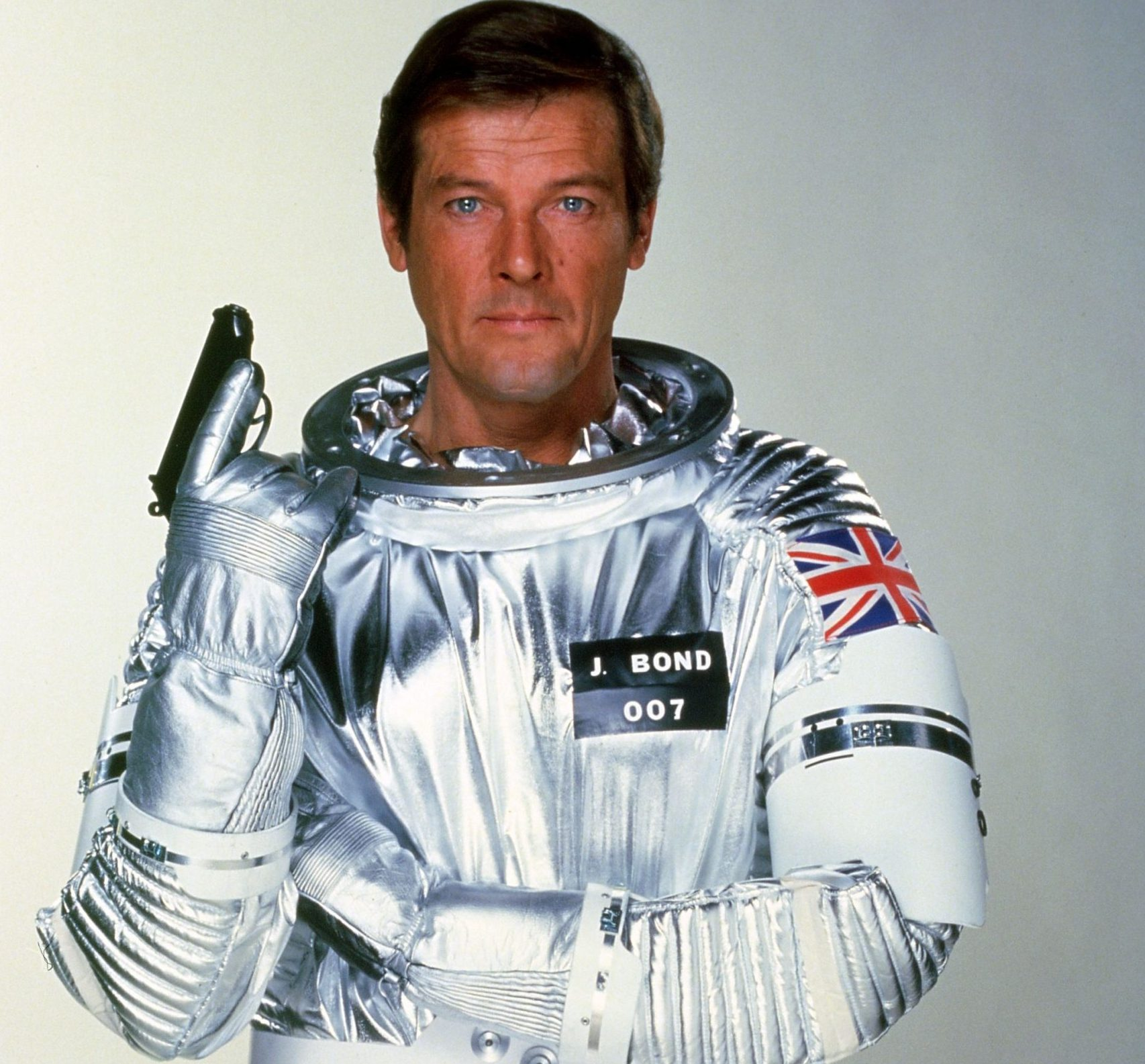 1446639653 movies moonraker roger moore 1979 scaled e1618825708481 20 Eyebrow-Raising Facts You Never Knew About Moonraker