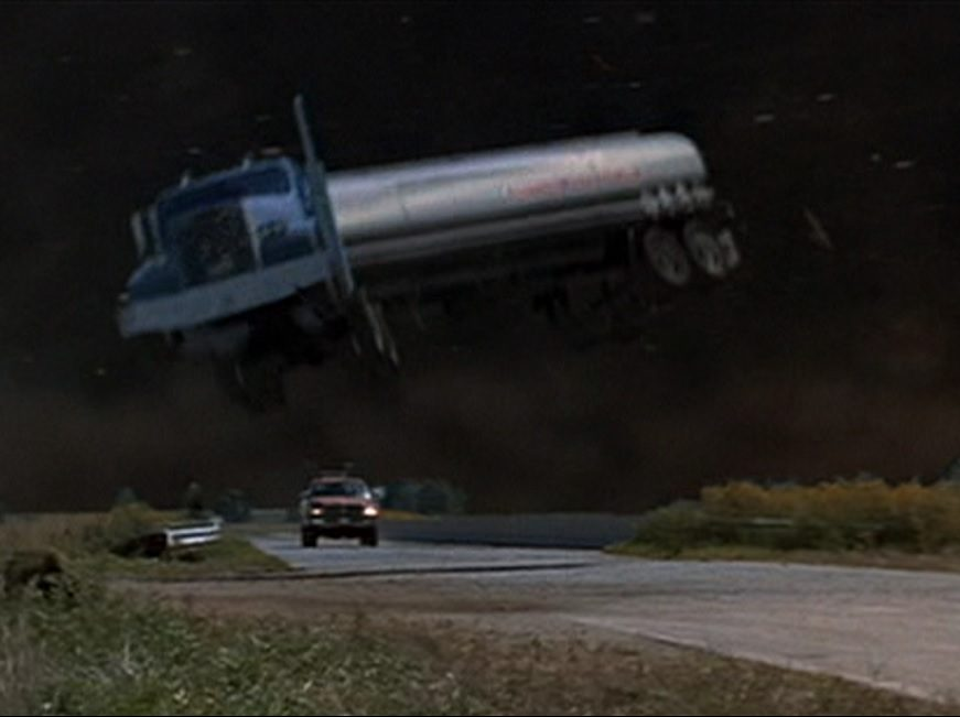 1996 Twister 02 e1619794408301 Twister: 20 Facts About The 1996 Blockbuster That Will Blow You Away