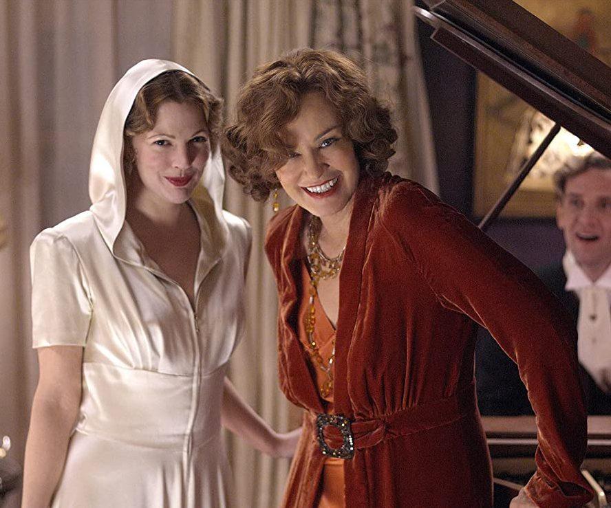 Grey Gardens 19465049400 415942 MV. V336509616 SX1080 e1620983440193 20 Things You Never Knew About Jessica Lange