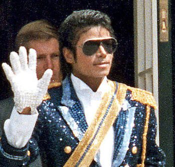 Michael Jackson 1984 cropped e1621423230525 20 Things You Never Knew About Russell Crowe