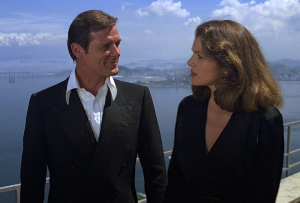Moonraker Dinner Suit 2 e1618833920316 20 Eyebrow-Raising Facts You Never Knew About Moonraker