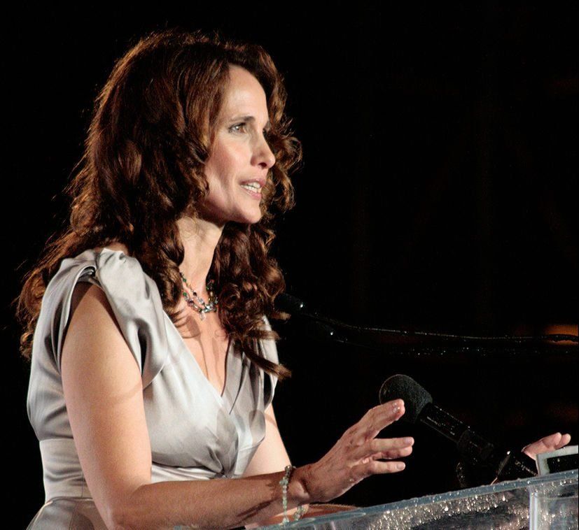Save The World Awards 2009 show26 Andie MacDowell e1621517626791 20 Things You Never Knew About Andie MacDowell