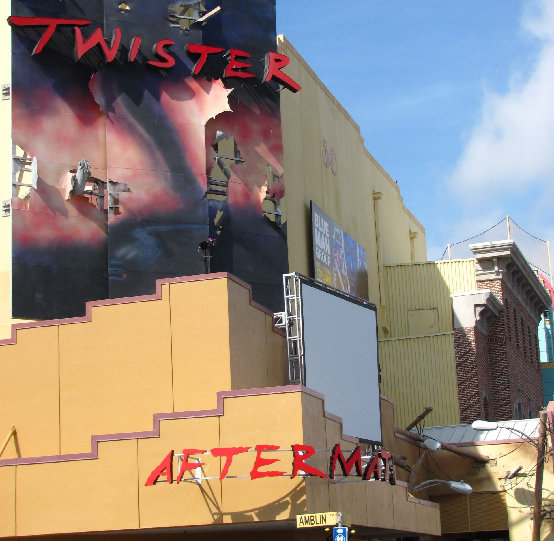Twister Ride it Out 01 scaled e1620746247391 Twister: 20 Facts About The 1996 Blockbuster That Will Blow You Away