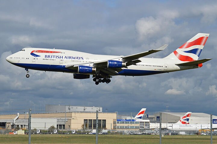 boeing 747 436 g bnlu british airways 10446761566 720 Zig-A-Zig-Ah! It's 25 Fascinating Facts About The Spice Girls!