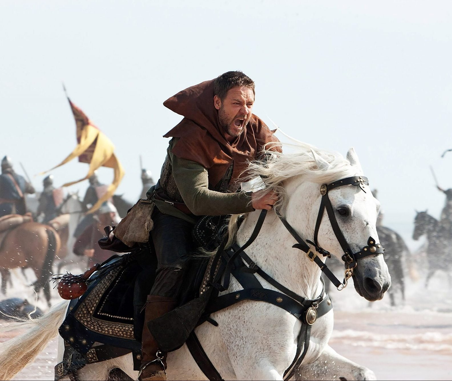 image 44 e1621421260648 20 Things You Never Knew About Russell Crowe
