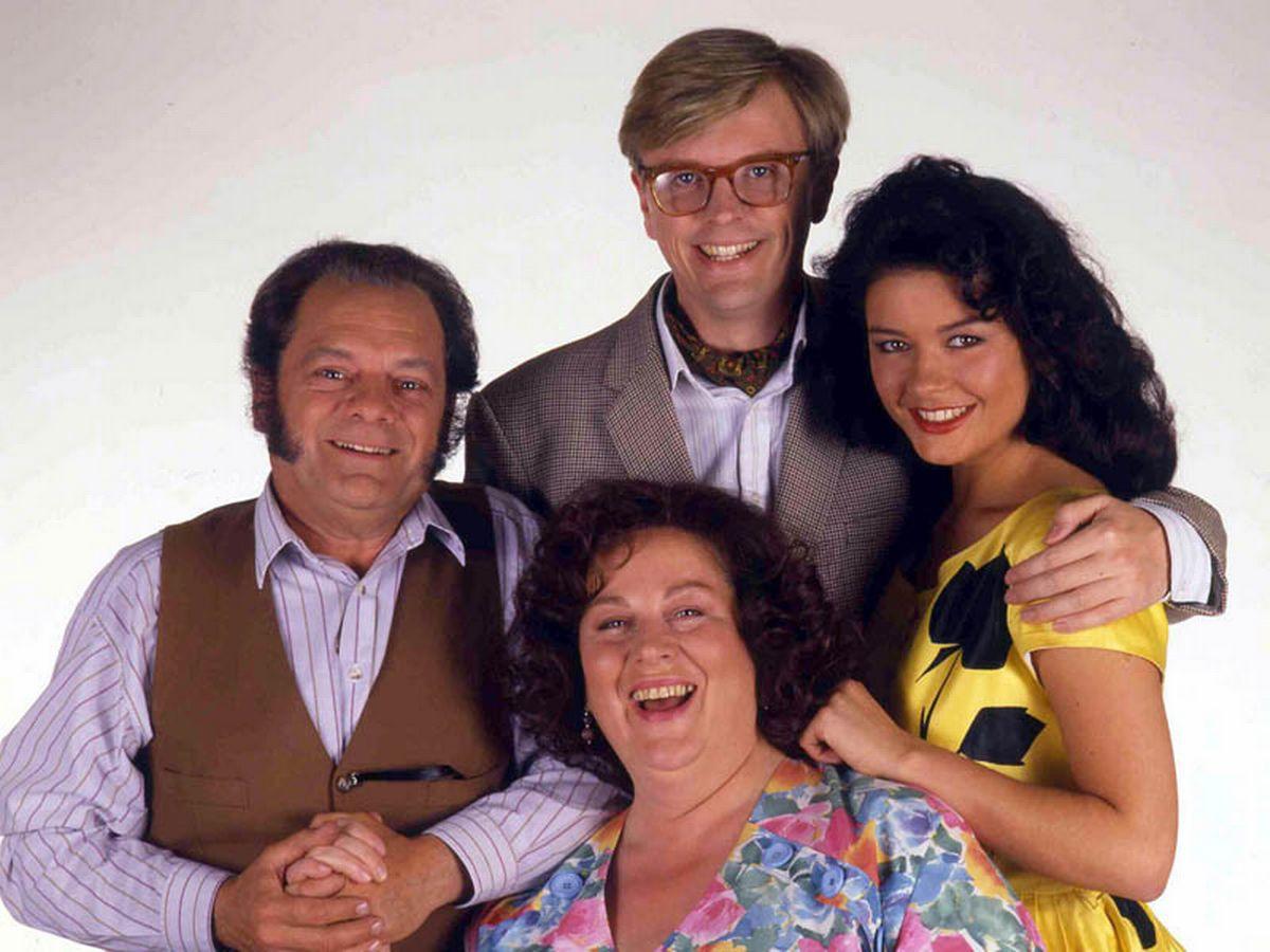 0 The Darling Buds of May Series 2 TV Programme 1992 Darling Buds Of May: Bradley Walsh Starring Alongside Son Barney In ITV Reboot
