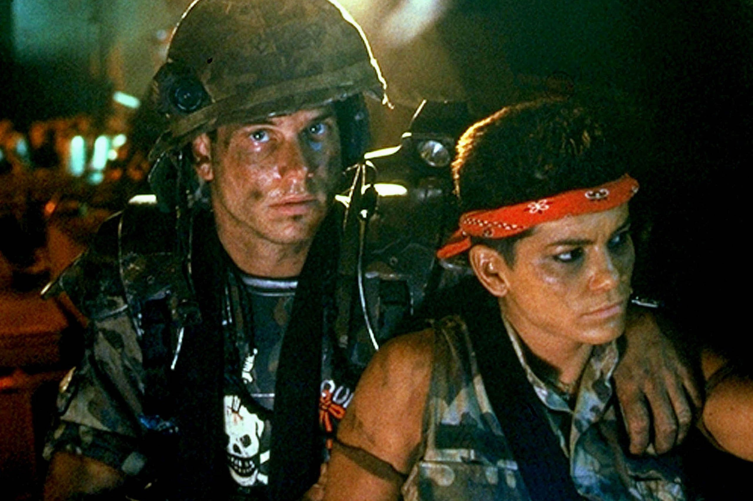170425 leon bill paxton aliens tease vwhlqb 20 Things You Never Knew About Bill Paxton