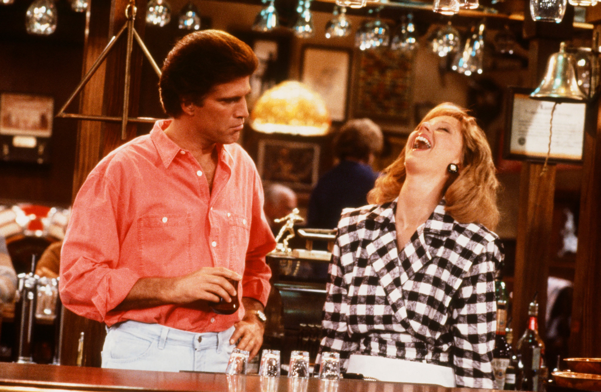 18cheers best slide 0E1C superJumbo Raise Your Glasses To These Facts You Might Not Have Known About Cheers