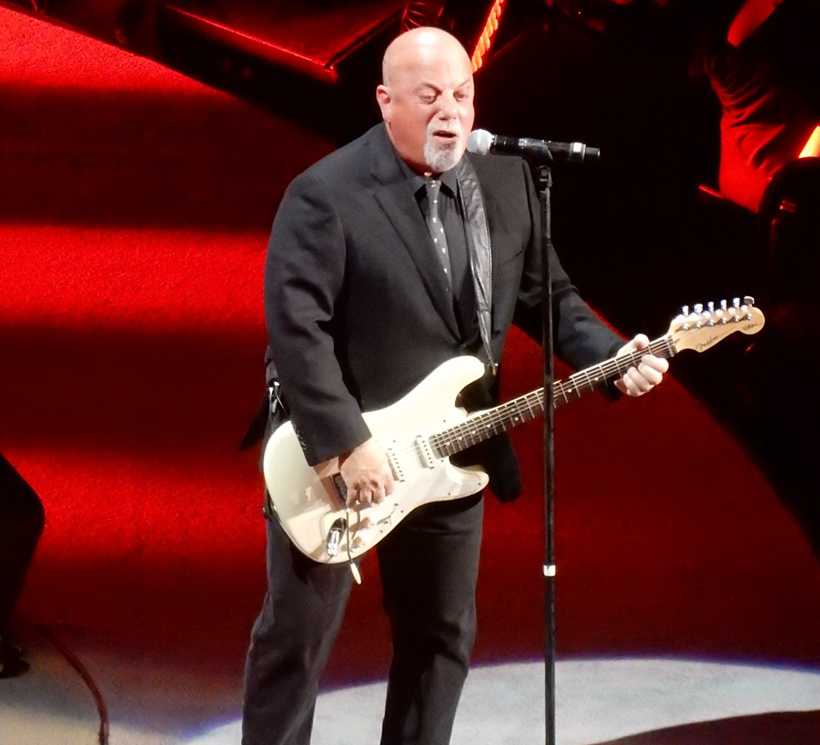 26388531171 547cbb230e k e1621427691201 20 Things You Probably Didn't Know About Billy Joel
