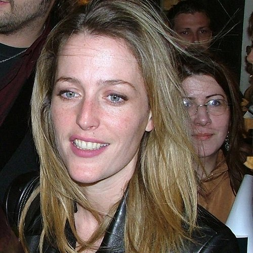 9 13 10 Things You Might Not Have Realised About Gillian Anderson