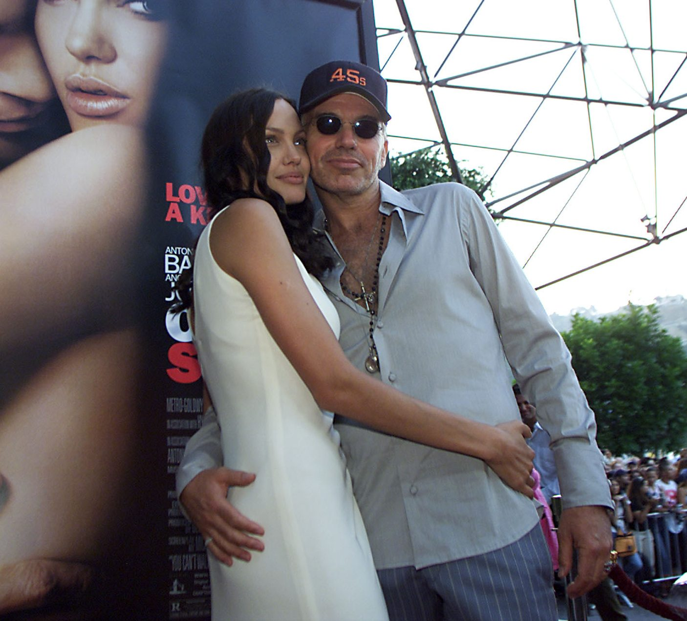 GettyImages 2251882 e1622026695975 Unlikely Celebrity Couples You Won't Believe Ever Dated