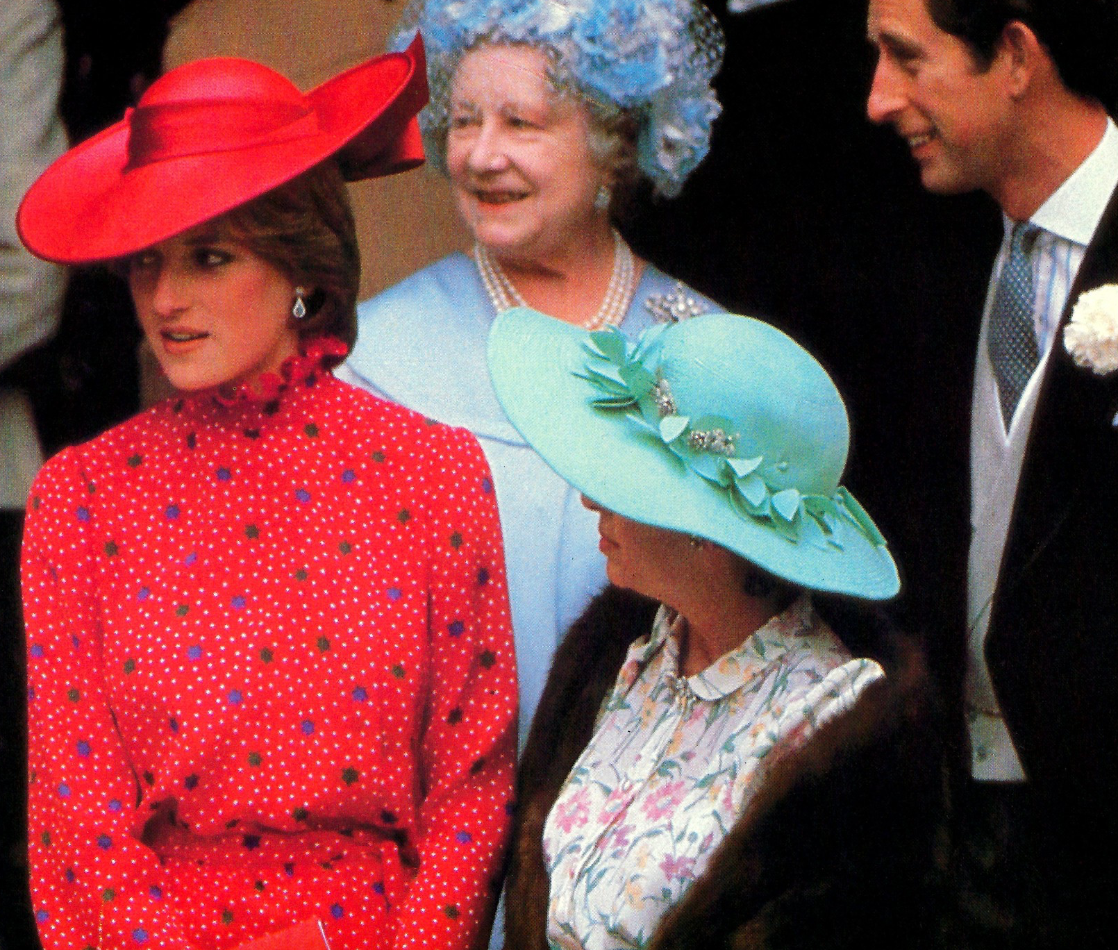 Screenshot 2021 06 03 at 15.56.53 Princess Diana's Most Iconic Outfits