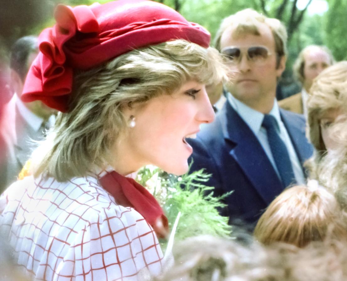 Screenshot 2021 06 03 at 16.02.22 Princess Diana's Most Iconic Outfits