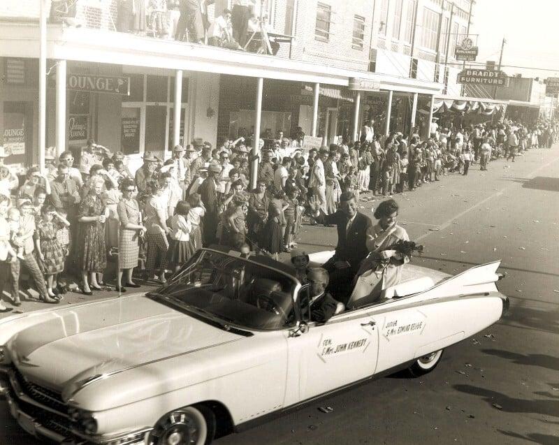 jfk 1959 cadillac eldorado biarritz convertible 20 Things You Never Knew About Bill Paxton