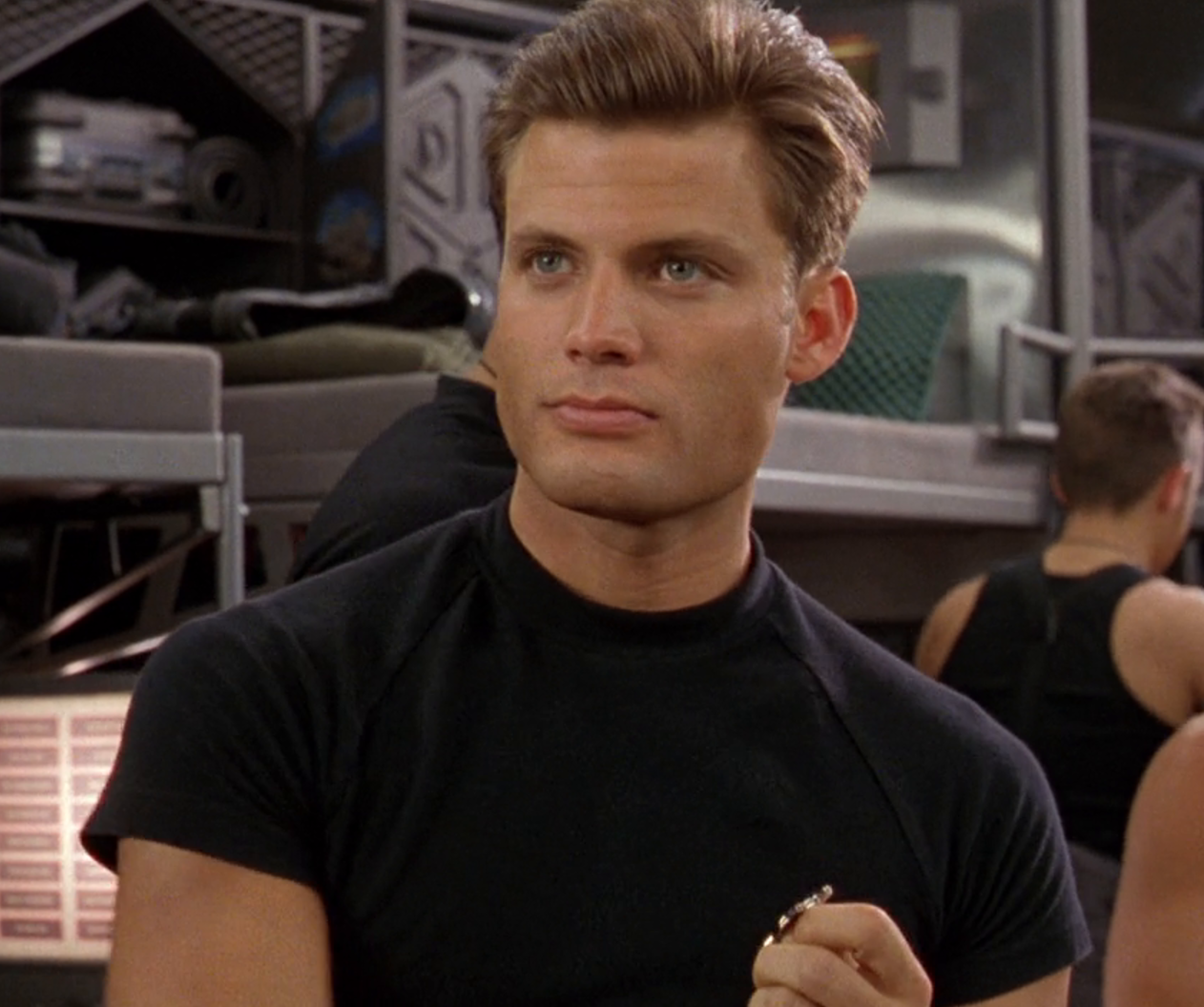sphe starship troopers 1997 Full Image GalleryBackground en US 1622457738953. RI e1623241031233 25 Movie Heroes Who Were Actually Kind of the Villain