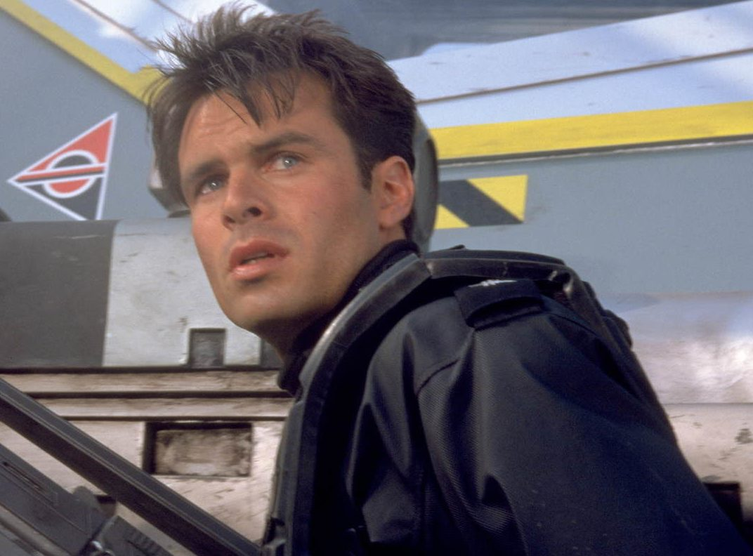 starshiptroopers3 1600x900 c default e1623249831185 Mark Wahlberg Almost Starred, And More You Never Knew About Starship Troopers
