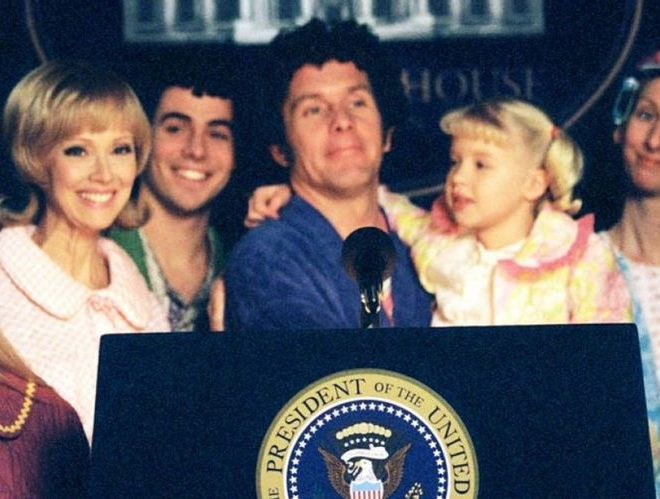 the brady bunch in the white house 2002 e1621425511638 Embarrassing Sequels To Great 90s Movies