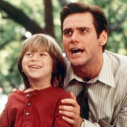 3 6 Remember The Cute Kid From Liar Liar? Here's What He Looks Like Now!