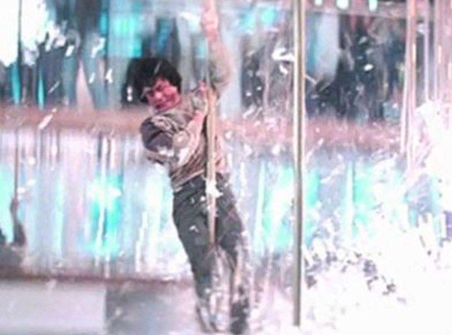 3409478 12 ps e1623755106337 Dangerous Movie Production Moments That Could Never Happen Today