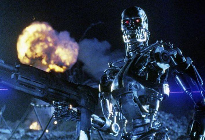 35d8f972e1c265e1b728c64b9fe38f85 e1624022147568 The Best (And Worst) Movie Robots