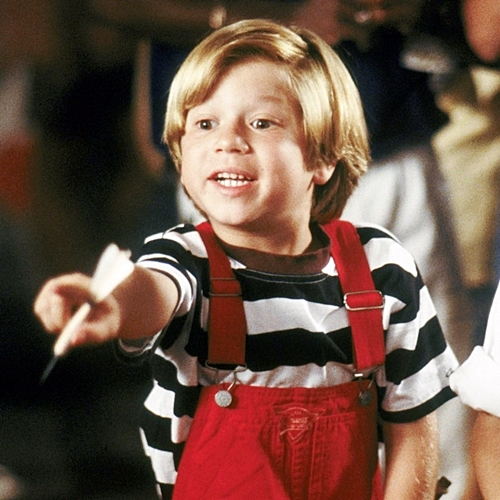 5 6 Remember The Cute Kid From Liar Liar? Here's What He Looks Like Now!