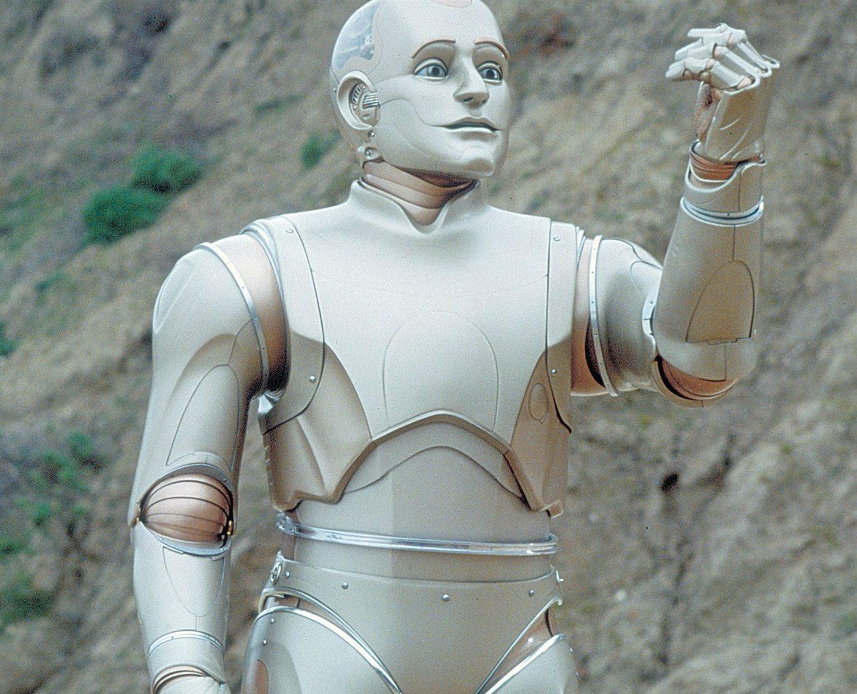Bicentennial Man e1623943653246 The Best (And Worst) Movie Robots
