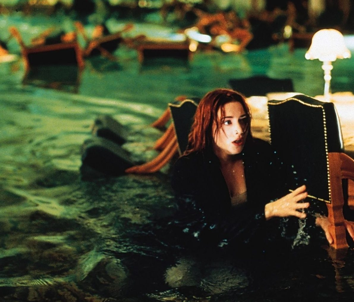 Kate Winslet e1623831009735 Dangerous Movie Production Moments That Could Never Happen Today