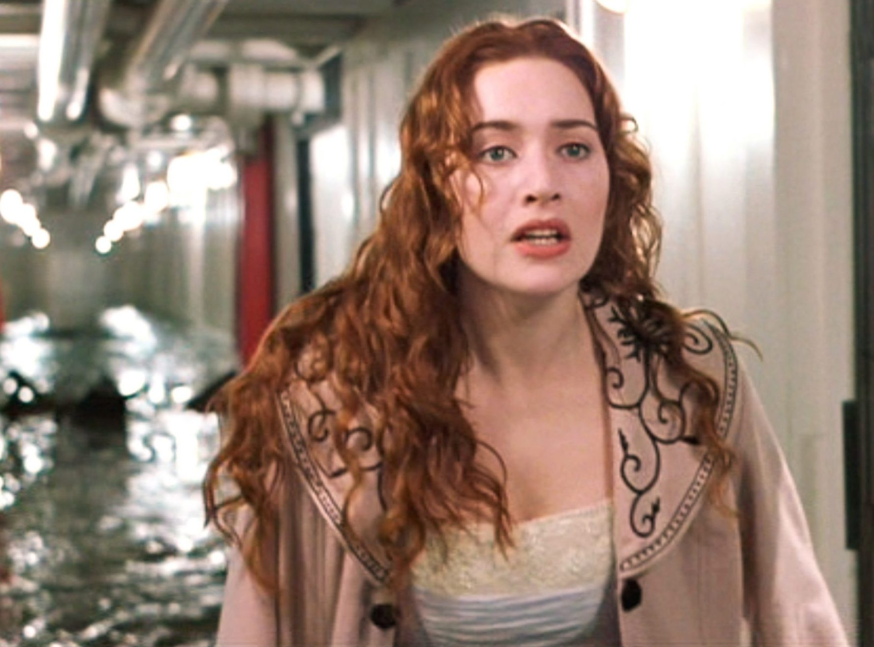 kate winslet titanic film scaled 1 e1623830942939 Dangerous Movie Production Moments That Could Never Happen Today