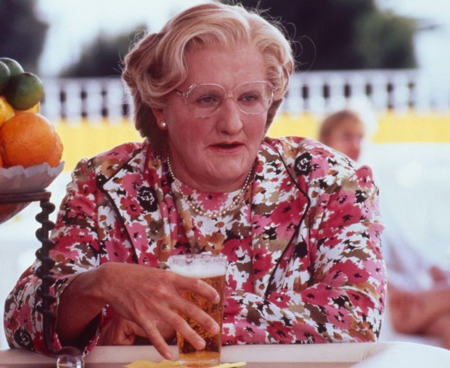 mrs doubtfire 02 e1624368366802 25 Things You Never Knew About Mrs. Doubtfire
