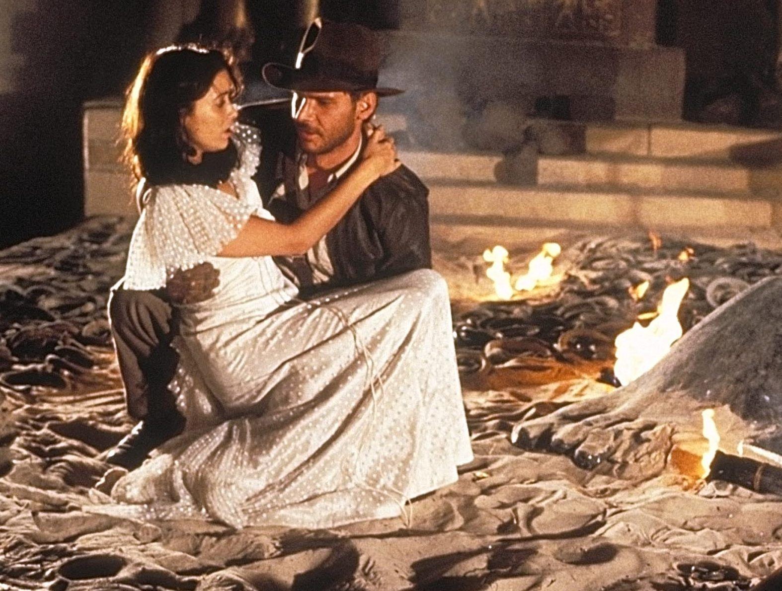 raiders of the lost ark indy marion snakes e1623318721301 Karen Allen Speaks Out On Indiana Jones' Controversial Marion Seduction