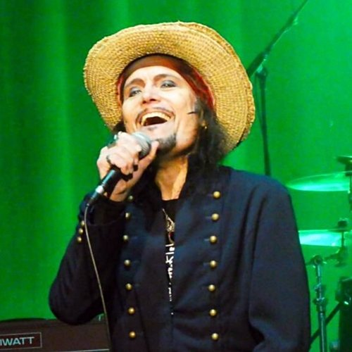 10 6 Remember Adam Ant? Here's What He Looks Like Now!