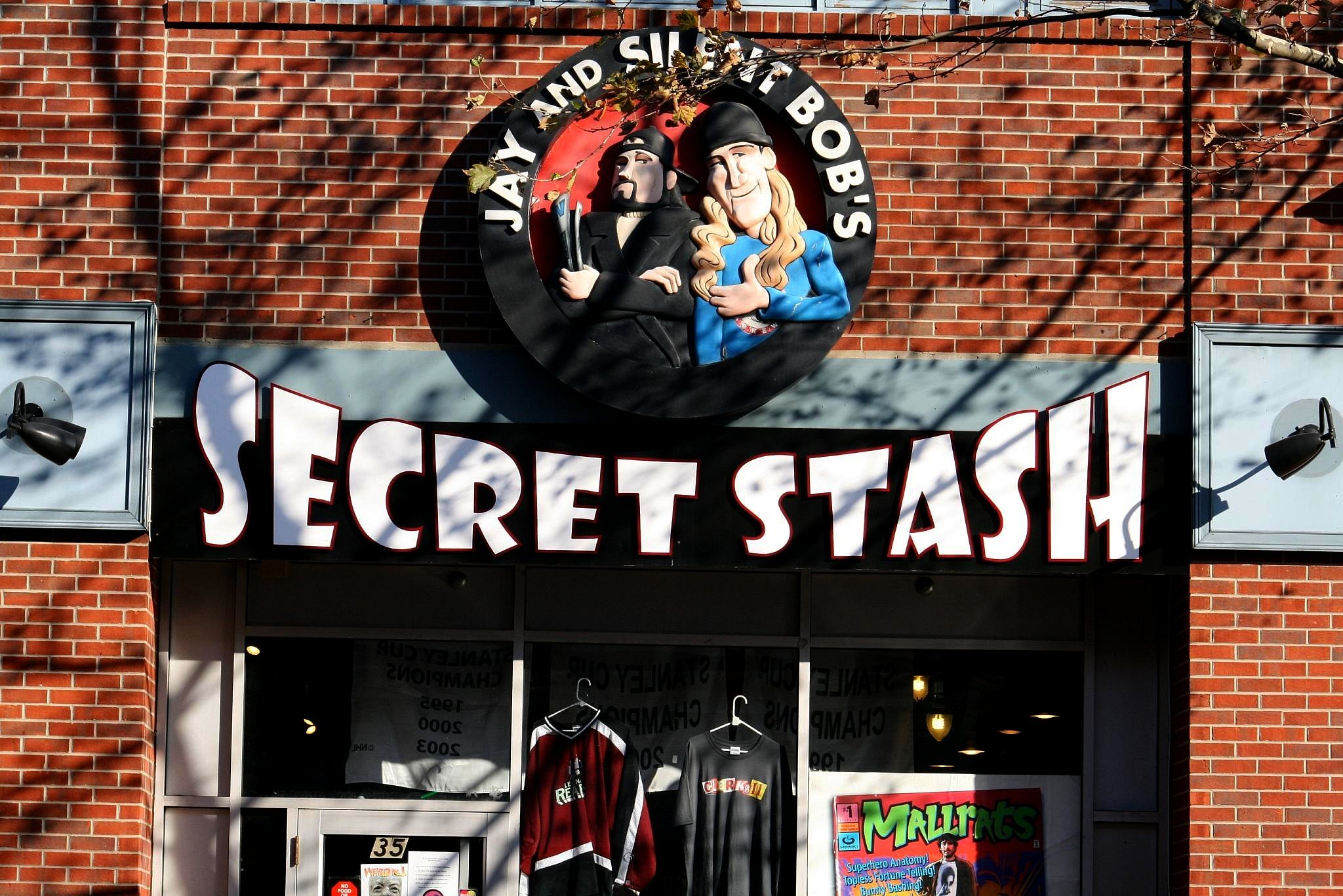 Jay and Silent Bobs Secret Stash . Red Bank . New Jersey Celebrities With Surprising Side-Hustles