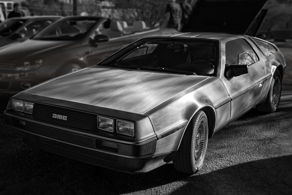 DMC DeLorean DeLorean: The Strange Story Behind The Iconic 80s Sports Car And Its Creator