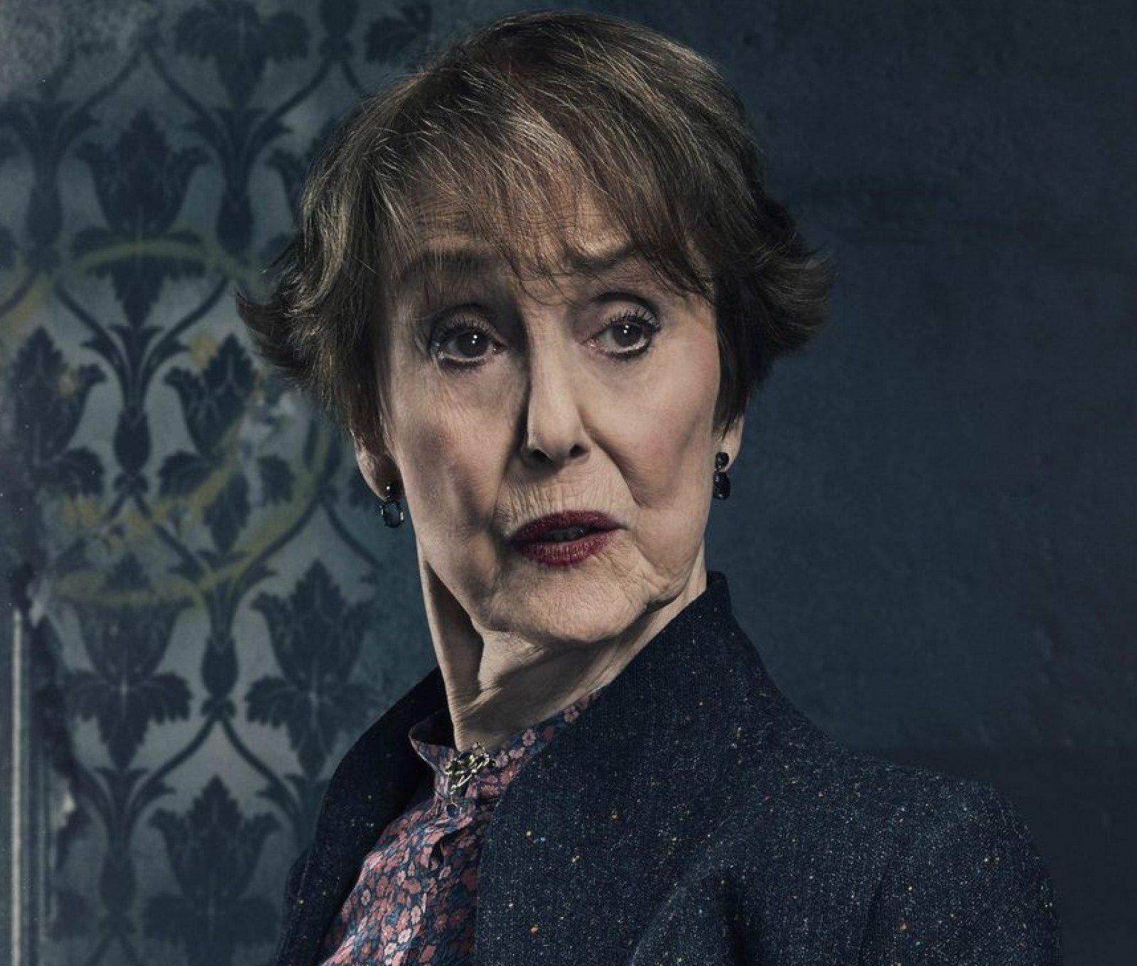 una stubbs mrs hudson e1628780394510 British Screen Legend Una Stubbs Dies Aged 84