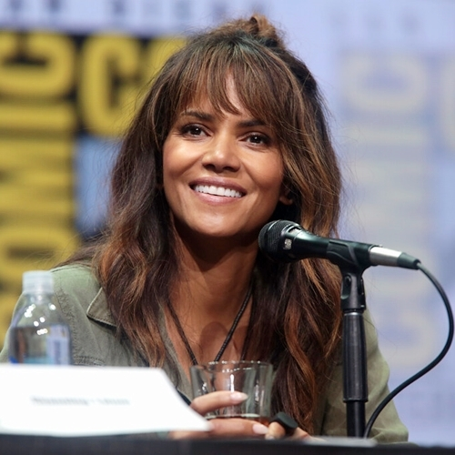 1 7 10 Things You Might Not Have Realised About Halle Berry