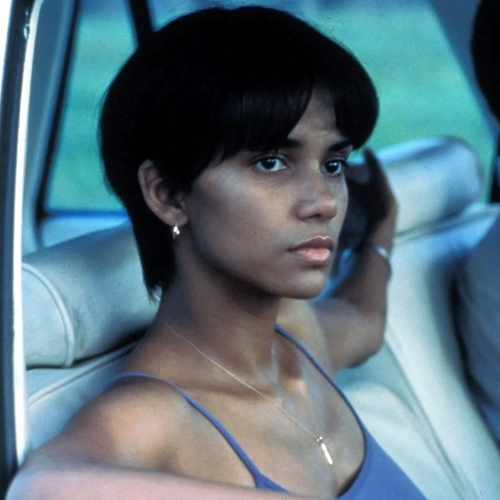 4 6 10 Things You Might Not Have Realised About Halle Berry